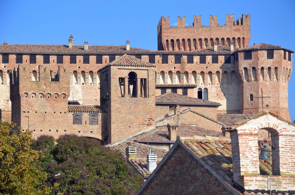 torri del castello di gradara - towers of the castle of gradara