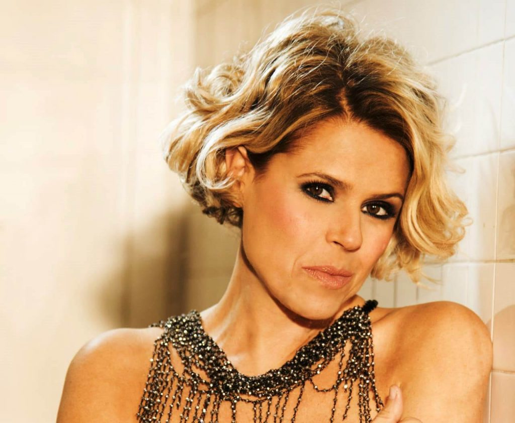 La cantante Tosca in Inda per voci sole - The singer Tosca in Inda for single voices