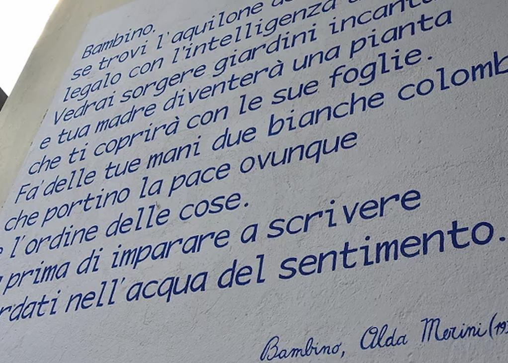 Alda Merini sui muri della Bergamasca