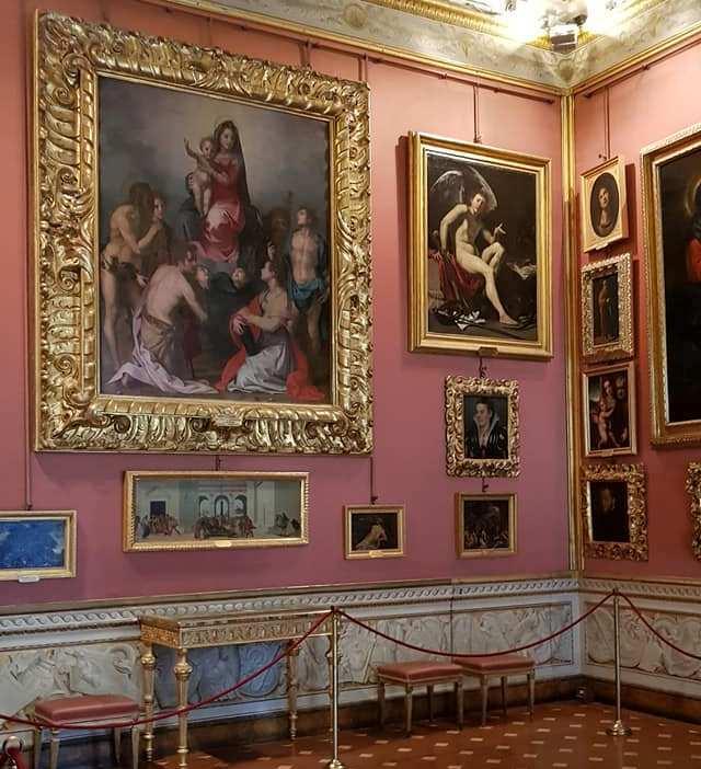 Palazzo Pitti in 3D, quadri. Foto di Adriana Macchione