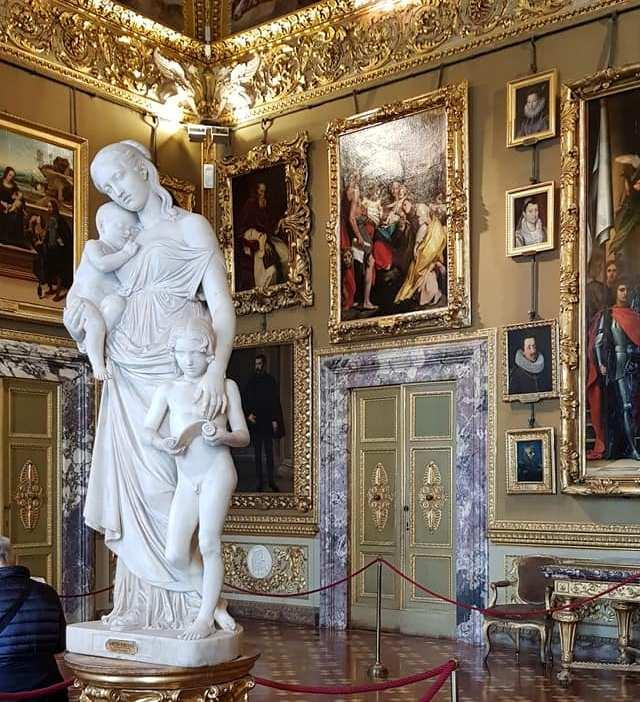 Palazzo Pitti, statua. Foto di Adriana Macchione