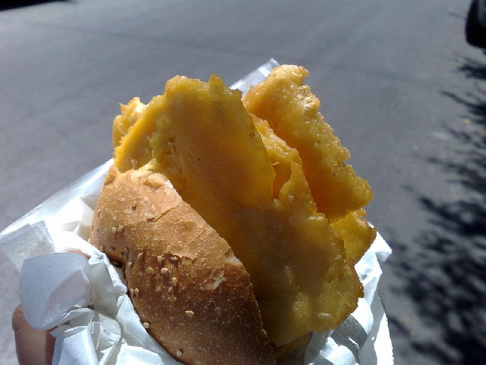 Un piatto tipico dello street food siciliano