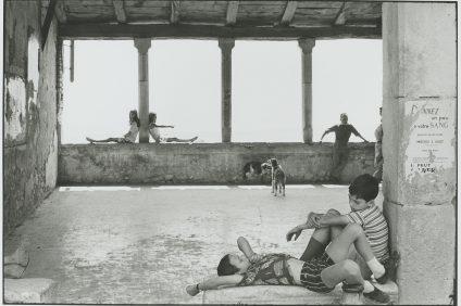 Henri Cartier-Bresson - foto in bianco e nero di giovani