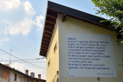 scritta sul muro della poesia di Alda Merini