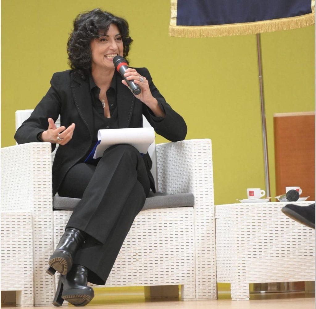 Giulia Fresca durante un suo intervento