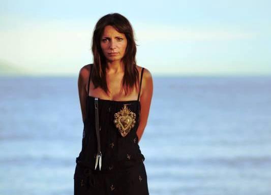 Marianna Vitale in riva al mare