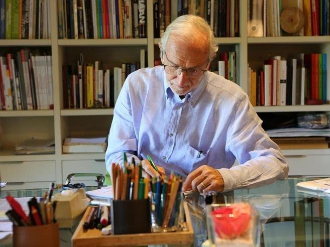 Renzo Piano alla scrivania
