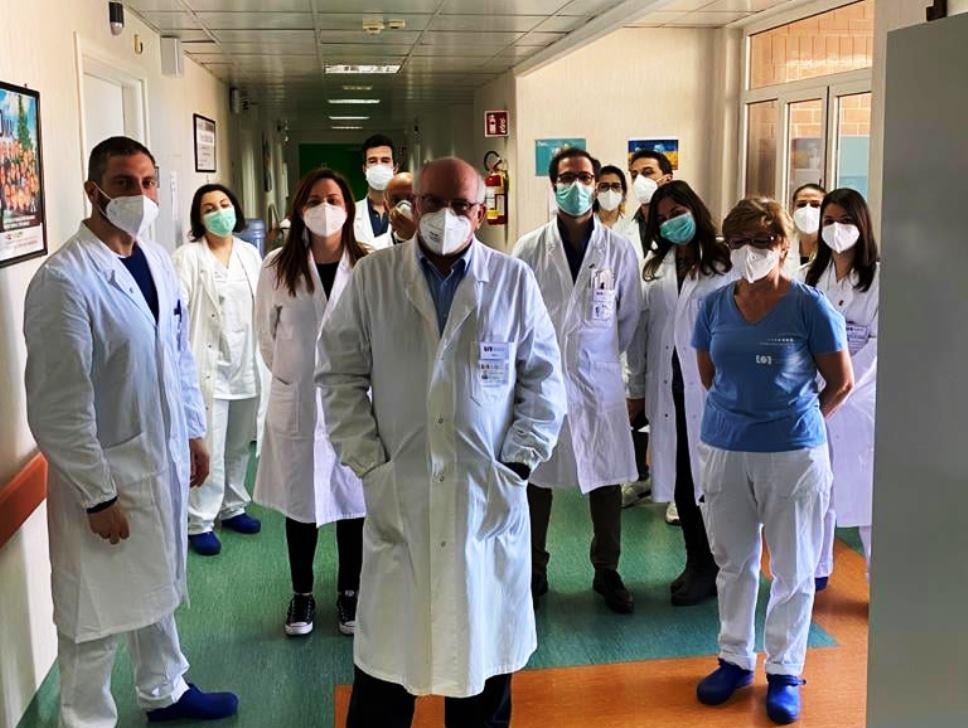 L'oncologo e l'equipe del Pascale di Napoli