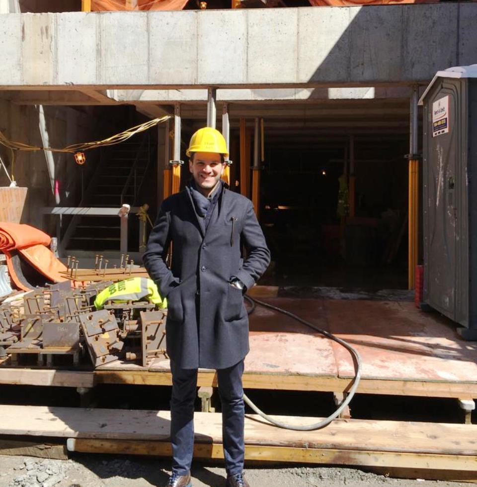 Giuseppe Samà a lavoro in un cantiere