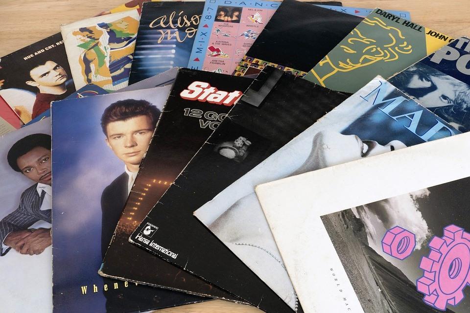 Canzoni italiane anni 80 - Negli anni Ottanta i dischi in vinile