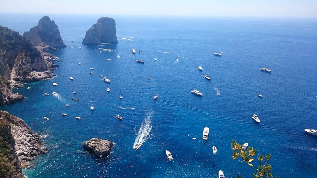 I faraglioni di Capri visti dall'alto