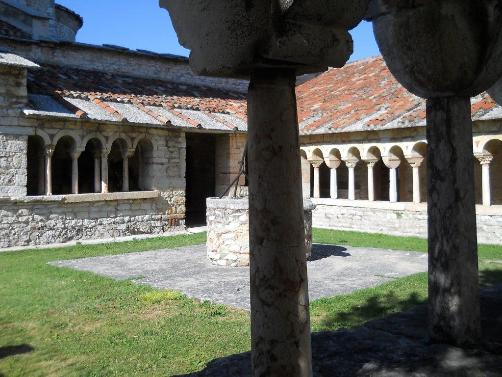 San Giorgio di Valpolicella - interno del chiostro
