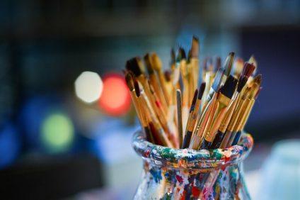 Pennelli e pittura