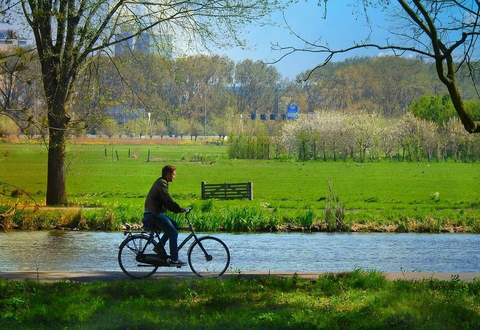 Anche il ciclismo come attività fisica