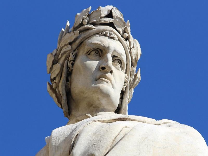 La statua di Dante Alighieri - Foto: Pixabay