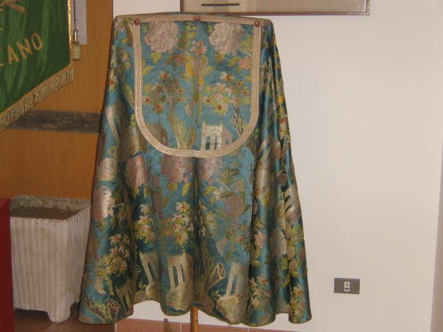 Il mantello di Carlo V nella foto del borgo di Carpanzano.