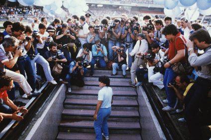 Diego Armando Maradona - presentazione Maradona al San Paolo di Napoli 1984