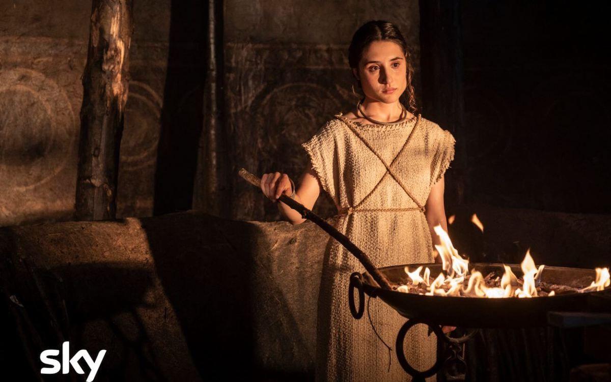 Romulus - Vestale Ilia (Marianna Fontana) con il fuoco sacro