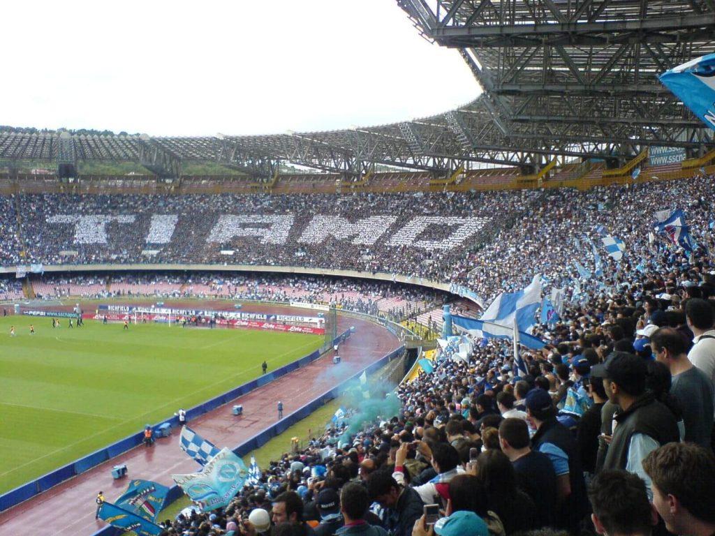 """stadio San Paolo a Maradona - Curva San Paolo di Napoli con la scritta """"Ti Amo"""""""