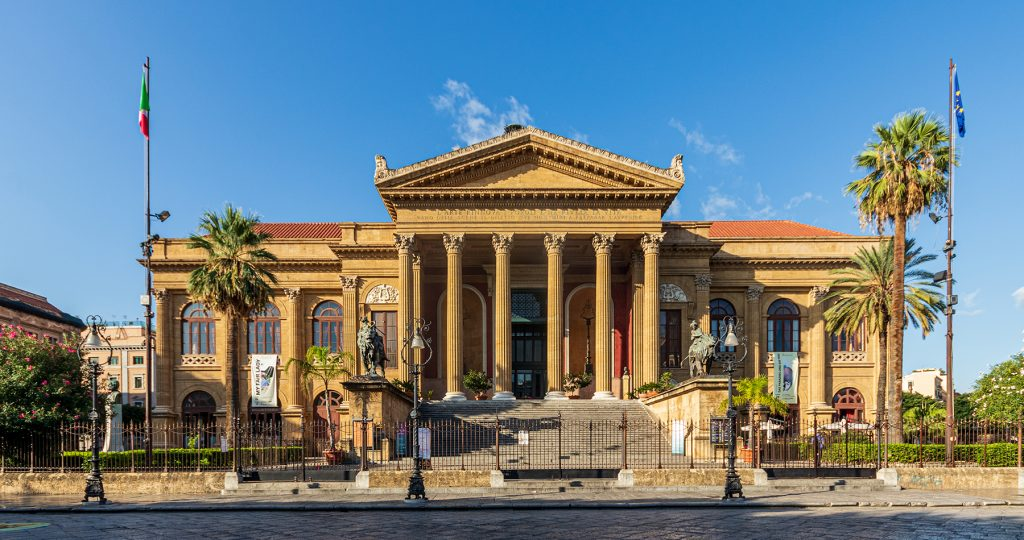 Palermo - facciata del Teatro Massimo