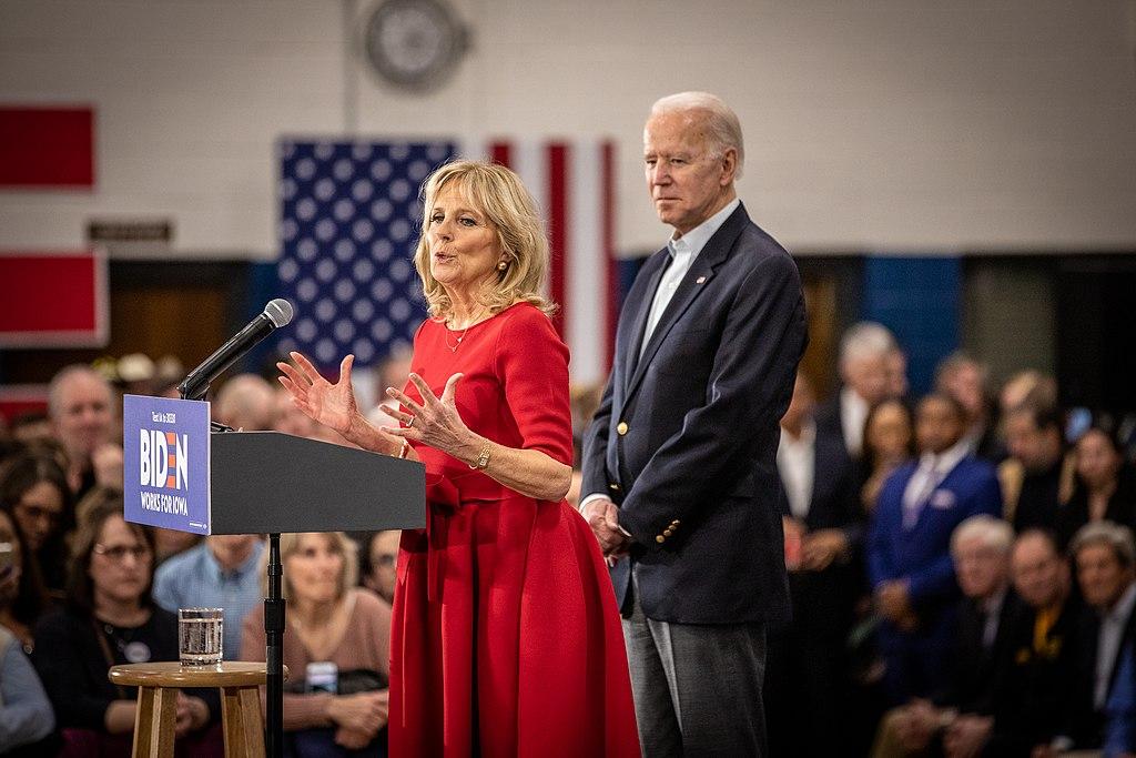 Jill Biden ad un comizio del marito
