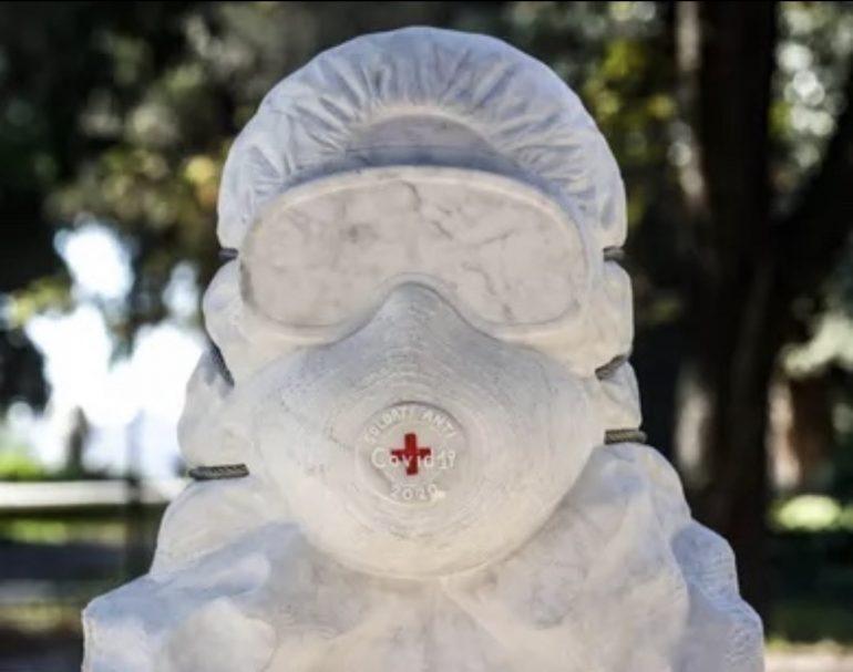 busto - infermiere con tuta anti covid