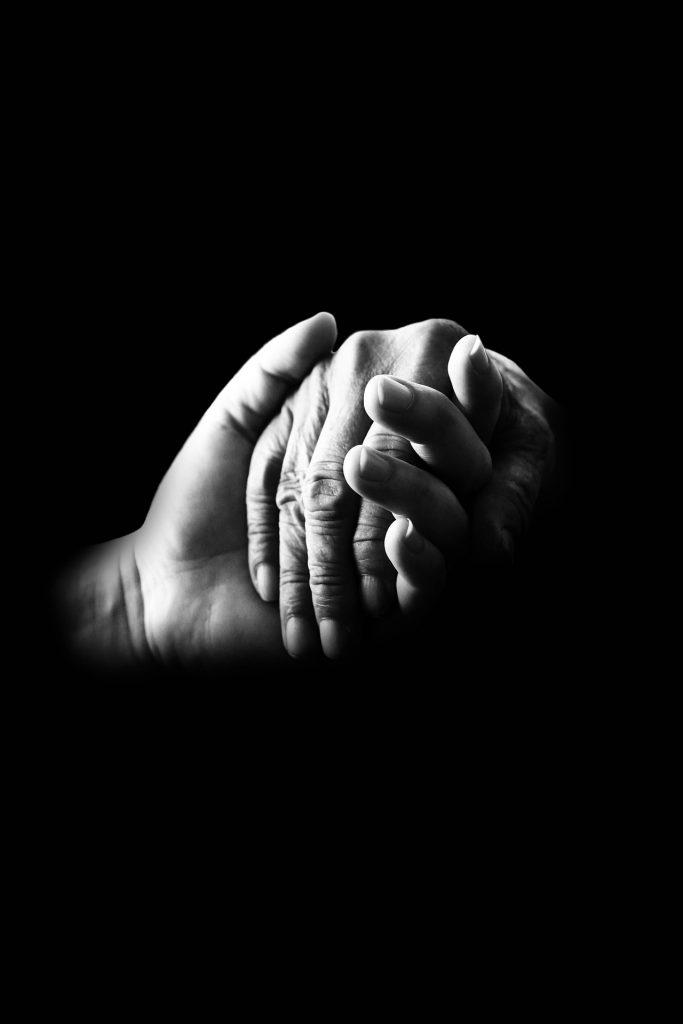 Giornata mondiale della gentilezza - mani unite