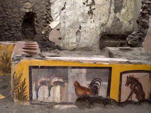 Termopolio di Pompei - parte del bancone con affreschi di animali