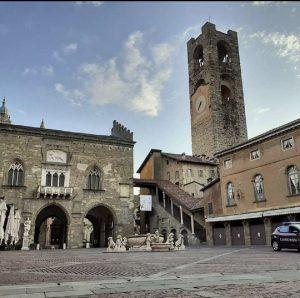 La piazza Vecchia di Bergamo