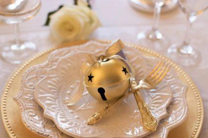 Il pranzo del 25 dicembre - servizio di piatti in porcellana