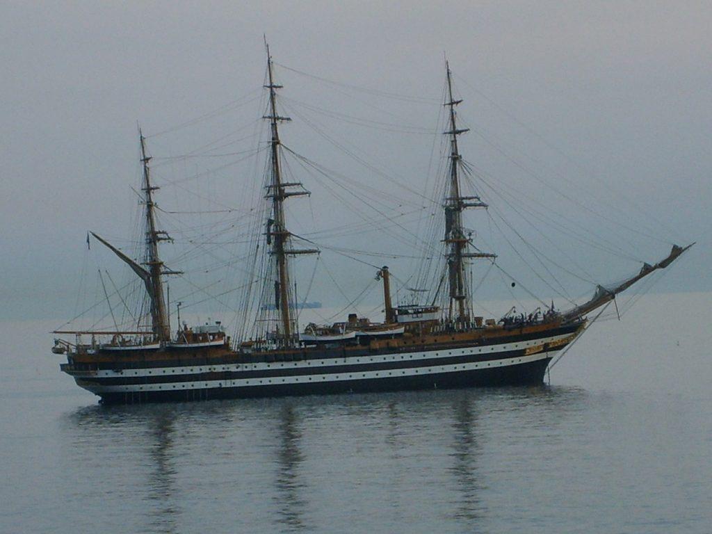 Amerigo Vespucci al largo di Genova