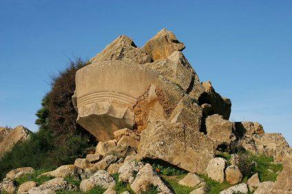 Valle dei Templi di Agrigento - capitello del tempio di Zeus