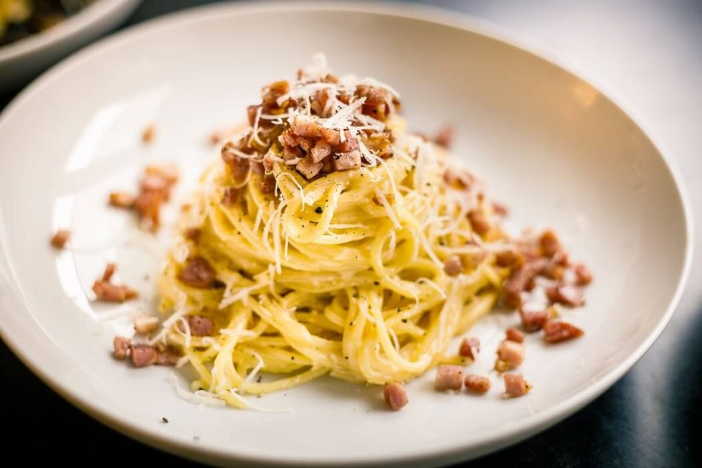 Carbonara - piatto di spaghetti alla carbonara