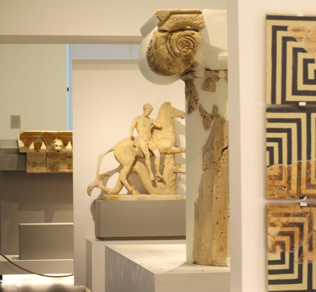 Il Museo archeologico, statue