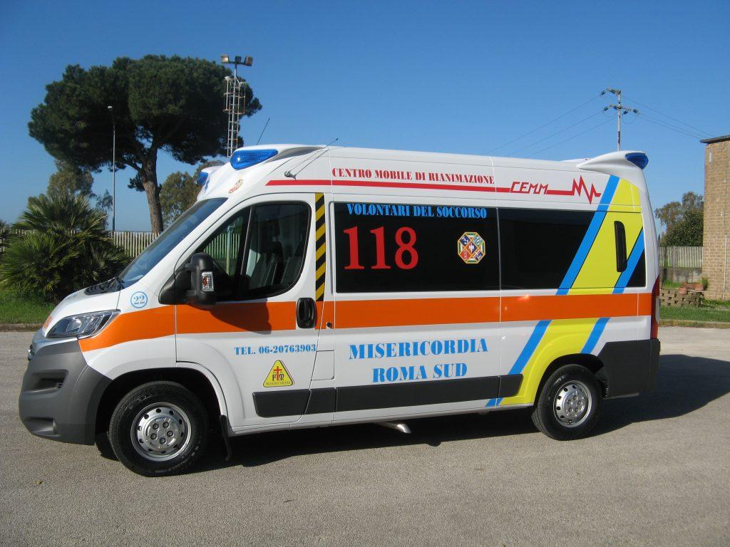 ambulanza italia tinte scure