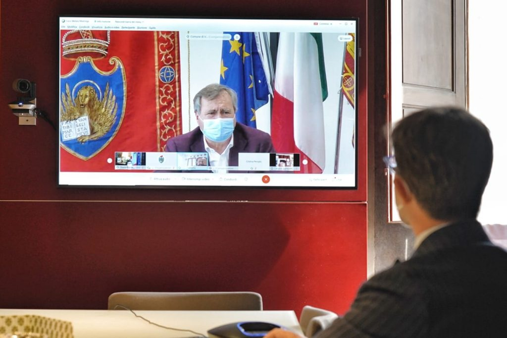 Dario Nardella e Luigi Brugnaro in video conferenza