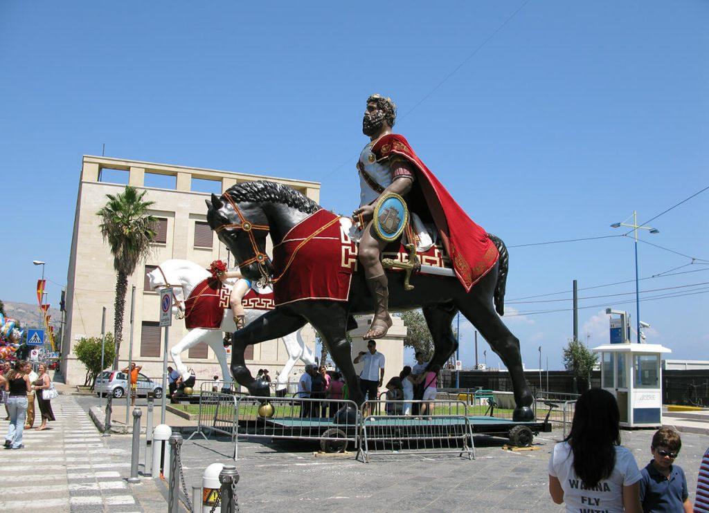 Mata e Grifone - grifone a cavallo