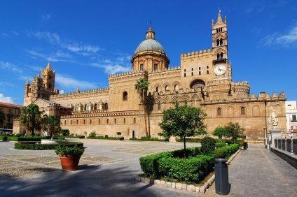 Vaccinazioni, il duomo di Palermo