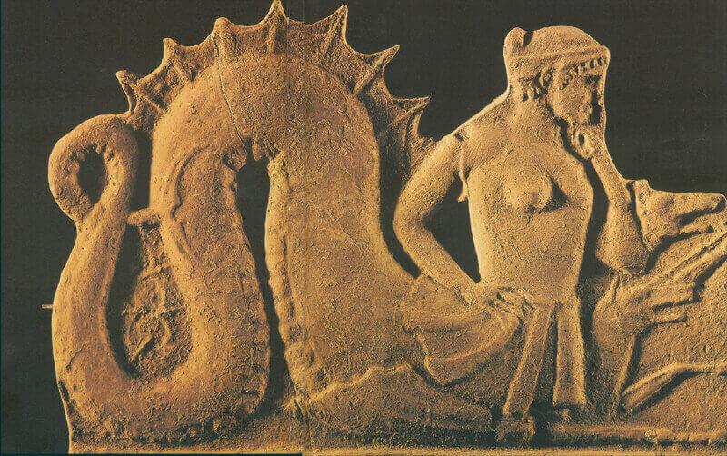 Scilla e Cariddi - statua di scilla