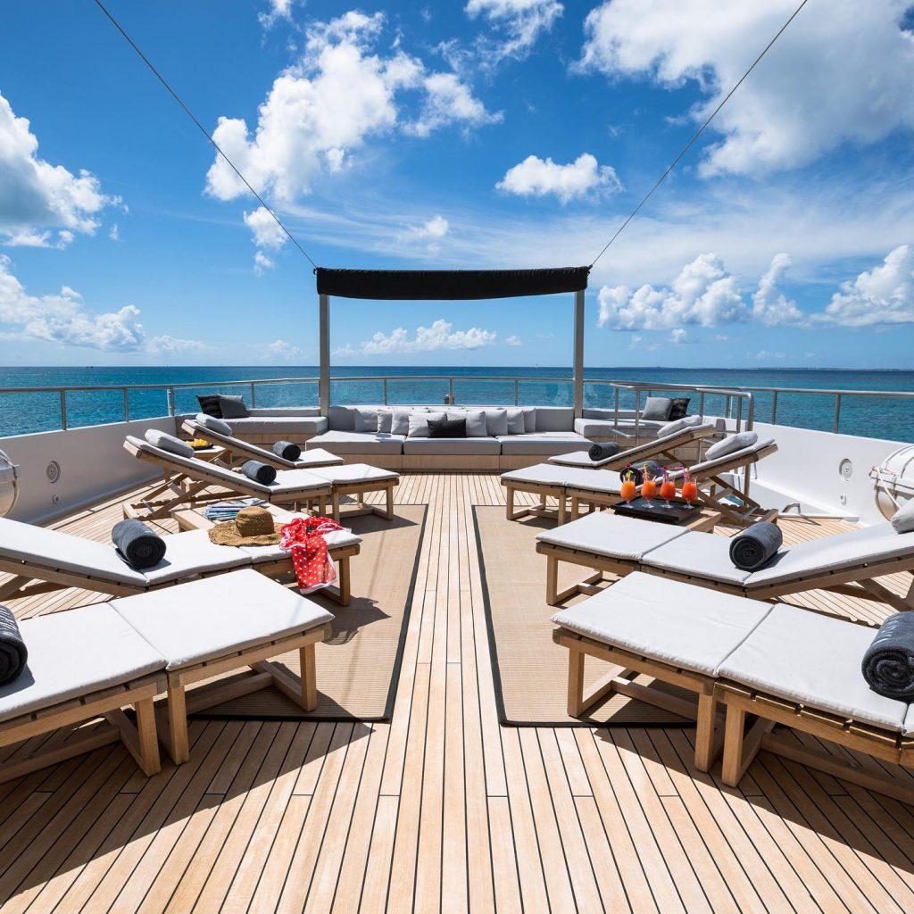 Giorgio Armani ha disegnato uno superyacht - interno dello yacht