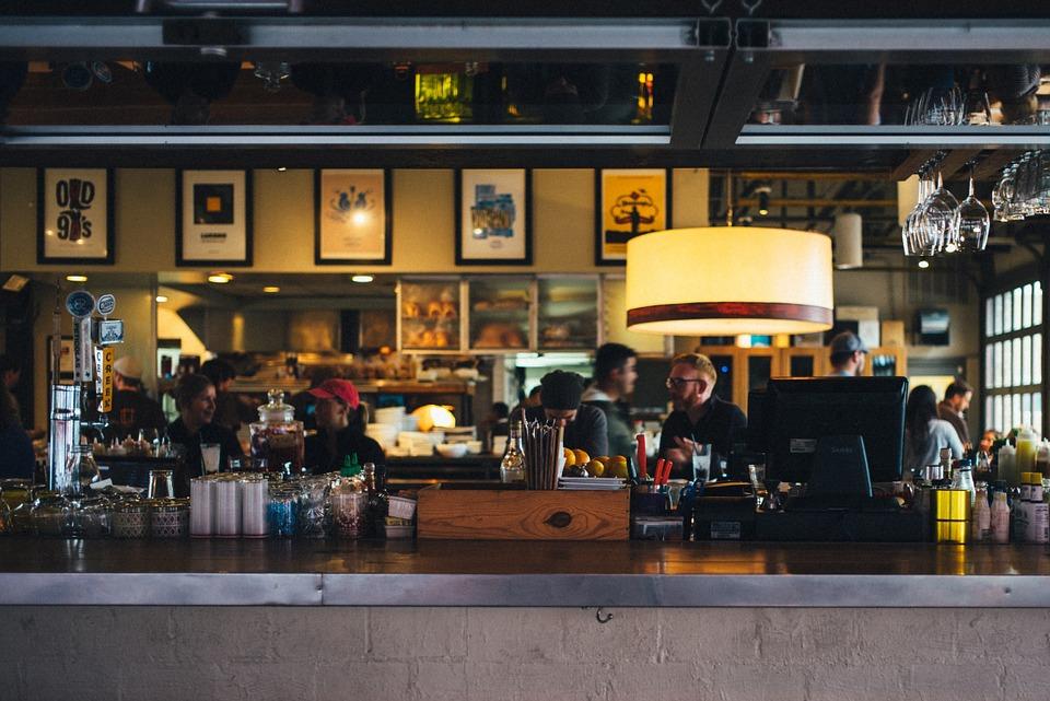 viminale controlli - interno di un bar