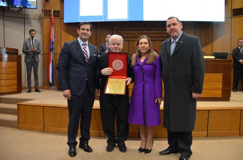 Padre Trento - cittadinanza paraguaiana