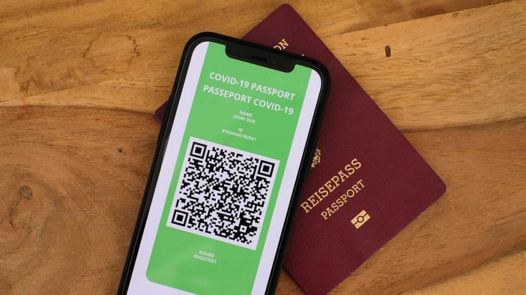 Pass verde italiano - green pass con passaporto