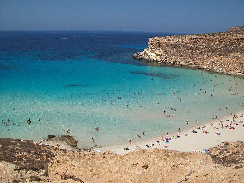 Spiaggia dell'Isola dei Conigli a LampedusaRiapertura delle spiagge -
