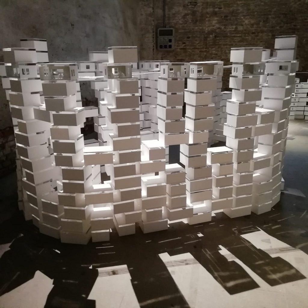 Biennale architettura - opera bianca