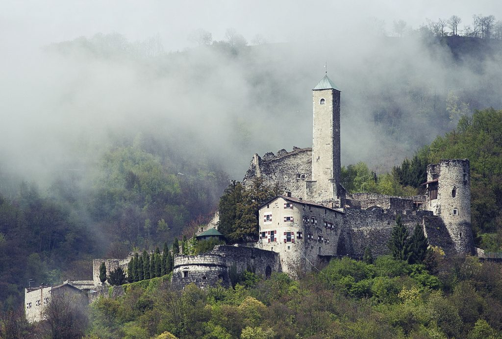 Borgo Valsugana - Castel Telvana (Matteo Cescato | Wikipedia)
