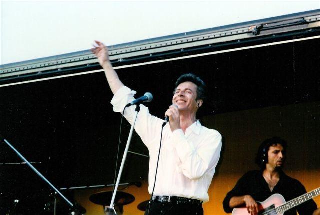 Il cantautore italiano Claudio Baglioni nel 1995