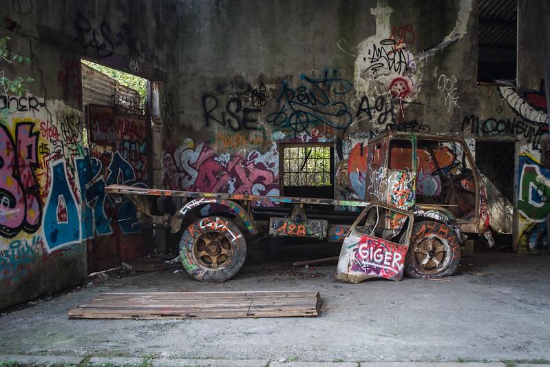Consonno - Edificio abbandonato