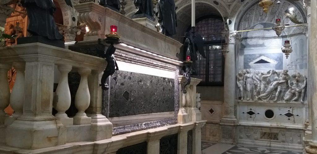 Sant'Antonio, tomba