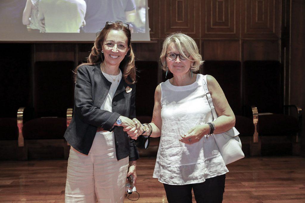 Daniela-Mapelli-con-la-collega-Patrizia-Marzaro